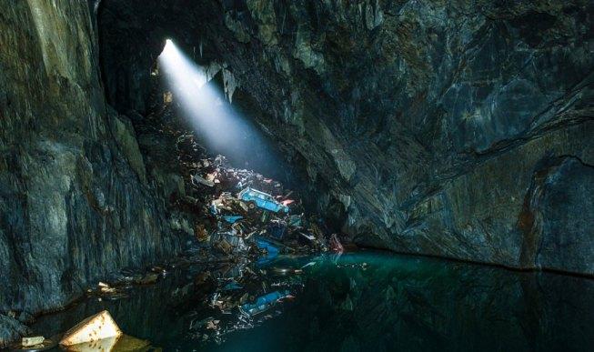 unsplash paul-morris-cave wreckage