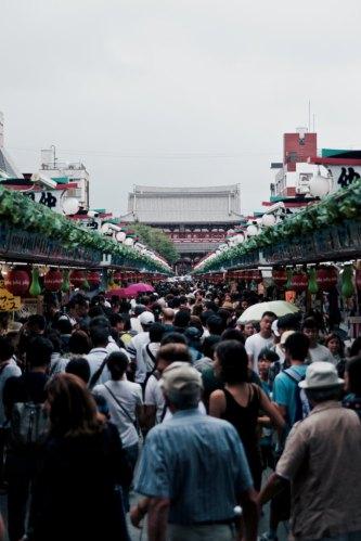 unsplash yuki-eyre-crowds